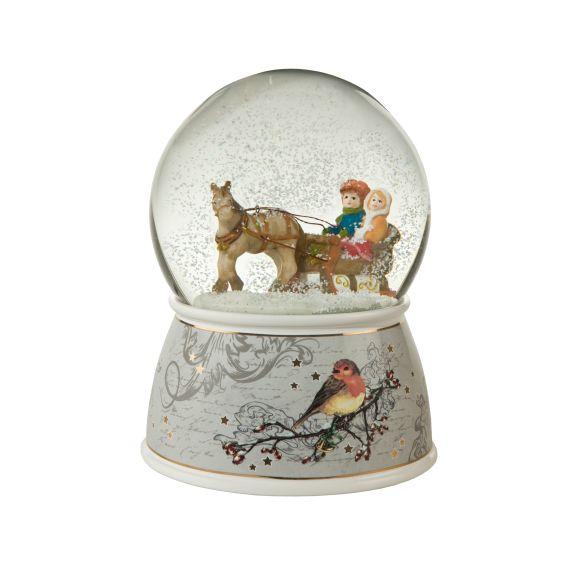 Produktbild von Auf dem Weg zum Weihnachtsmarkt – Schneekugel Ein Wintermärchen